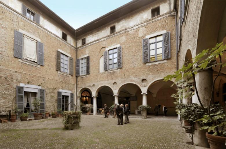 Palazzo Mozzanica, Monumenti Lodi