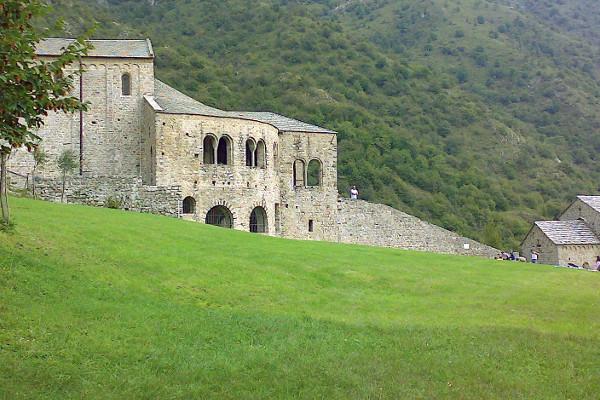 Monastero di San Pietro, Monte di Civate (LC)